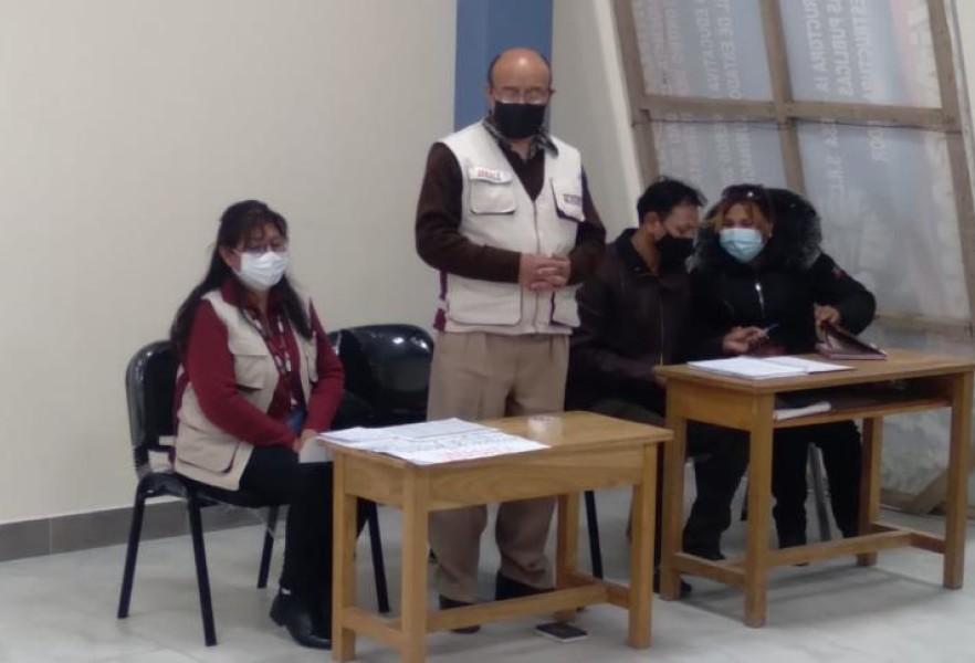 Oruro: parlamentarios, padres de familia y servidores públicos reciben información sobre los servicios que brinda el Serecí